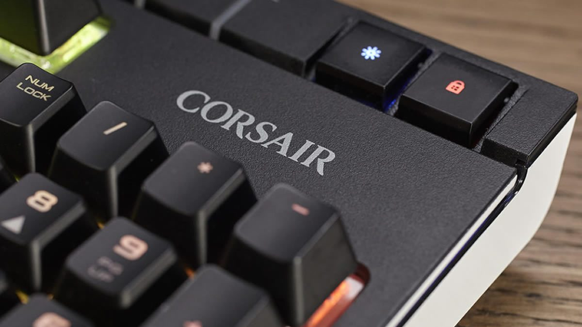 Corsair Mechanical Keyboard With Macro Keys Corsair K70