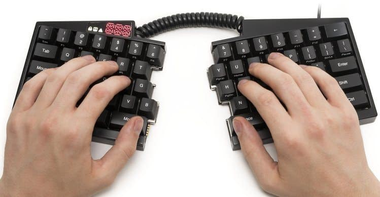 ultimate-hacking-keyboard-hands