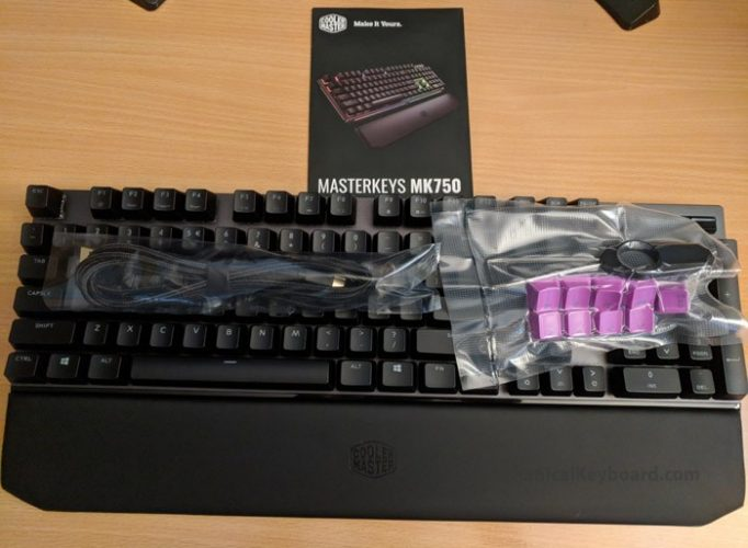 Coolermaster-unboxing-parts